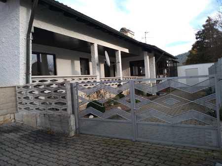 Helle sonnige Erdgeschosswohnung in ruhiger Wohnlage,Seniorengerecht in Kronach