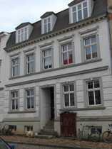 Frisch renovierte 2-Zimmer-Altbauwohnung in der