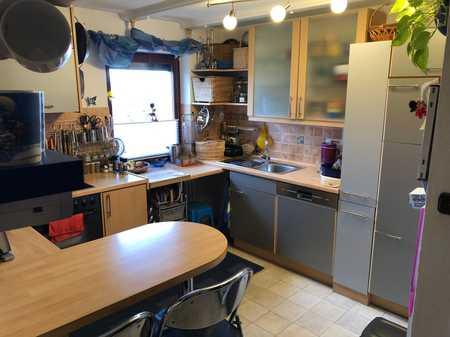 Vollständig renovierte 4-Zimmer-Wohnung mit Balkon(Westseite) und EBK in Erding in Erding