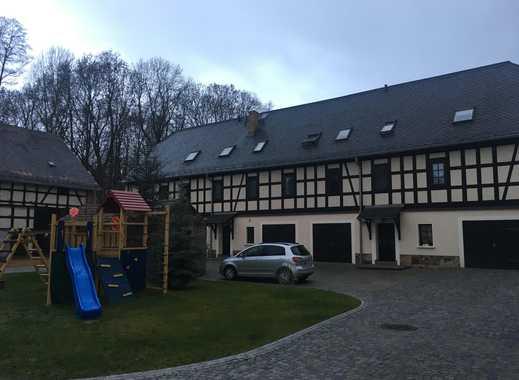 Wohnen auf dem Bauernhof in geräumiger Dachgeschosswohnung