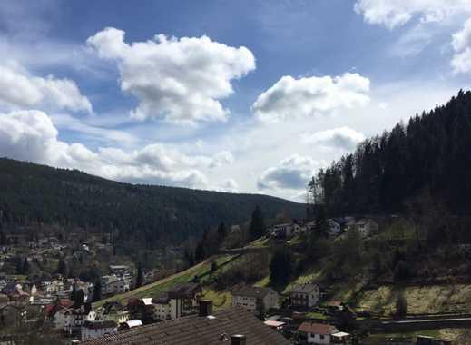 Bad Wildbad - schöne 3-Zimmer-Dachgeschoßwohnung mit Dachbalkon und EBK