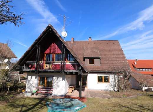 Hochwertiges Zweifamilienhaus mit Garage und Garten in Freudenstadt / Dietersweiler