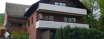 ***schön gelegene Obergeschoß-WHG, mit Balkon***