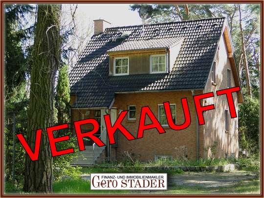 Massives Haus auf großem, bereits geteiltem Waldgrundstück, nahe Krüpelsee in Zernsdorf - Bild 1