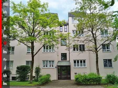 Renovierte 2-Zimmer-Wohnung in ruhiger Lage an Einzelperson zu vermieten in Perlach (München)