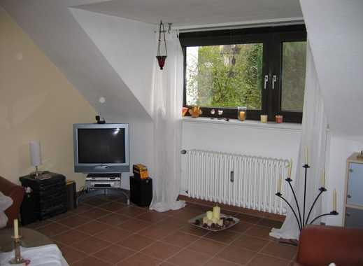 Vollständig renovierte 2,5-Zimmer-DG-Wohnung mit Einbauküche in Essen-Burgaltendorf