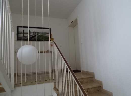 Gepflegte 5-Zimmer-Wohnung mit Balkon und Einbauküche in Tettnang