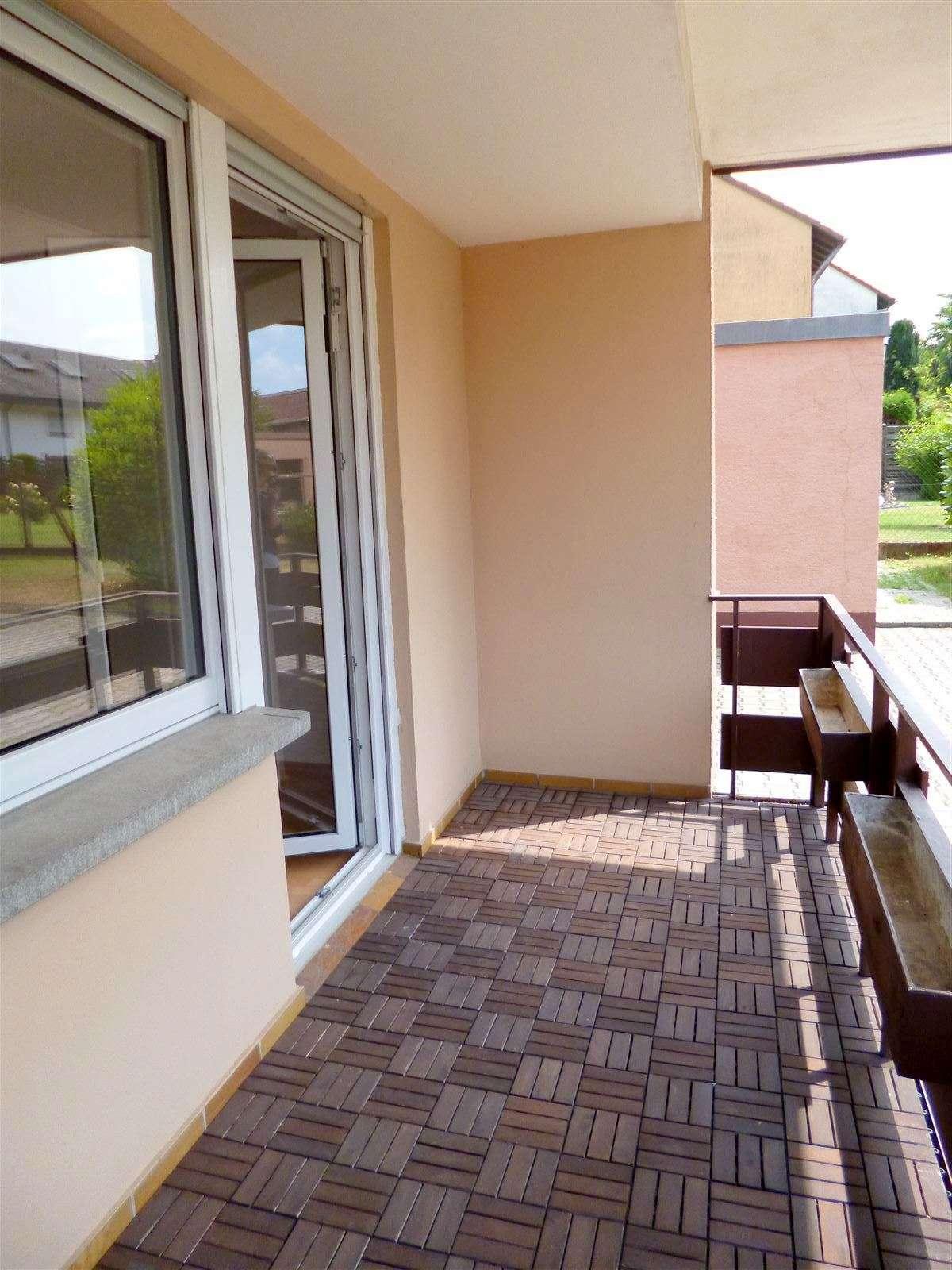 Schöne, helle Wohnung mit EBK und großem Balkon