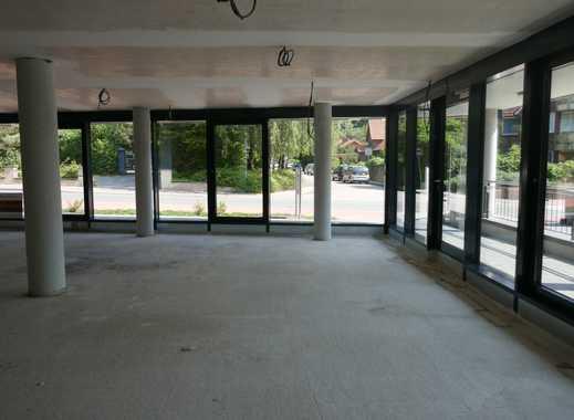 Gewerbefläche mit großer Fensterfront und Glasfaser im Neubau Hohenwedeler Weg 3 in Stade