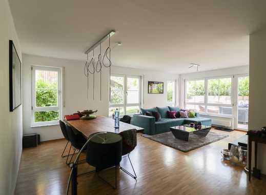 Gepflegte 4-Zimmer (plus Küche-Bad-GästeWC) Wohnung mit Terasse und EBK in Stuttgart