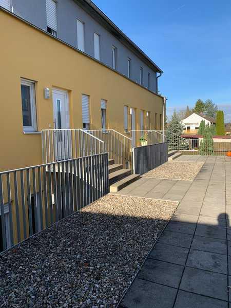 Stadtnahe, Stilvolle, neuwertige 2-Zimmer-Wohnung mit Balkon,  und EBK in Ingolstadt, 5 min zum HBF, in Südwest (Ingolstadt)