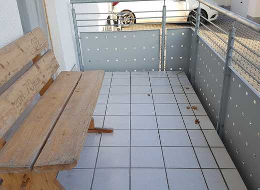 Neuwertige 4 Zimmerwohnung mit Balkon, Garage und Stellplatz in Dieburg!