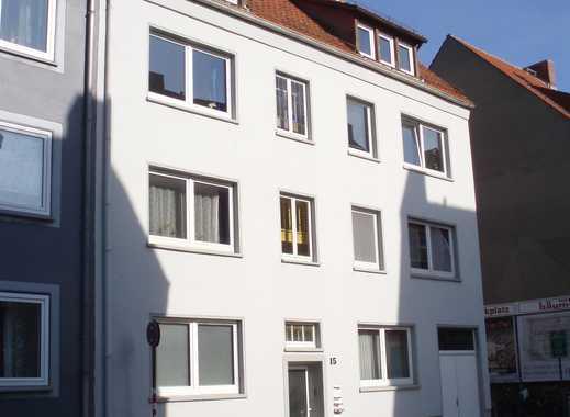 Helle und zentrale EG-Wohnung mit Wohnküche und Terrasse