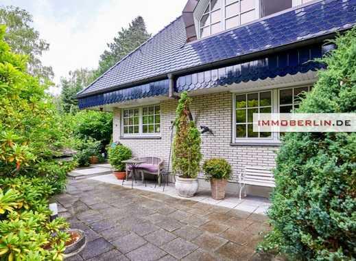 IMMOBERLIN: Luxuriöse Villa mit schöner Gartenidylle in Seenähe