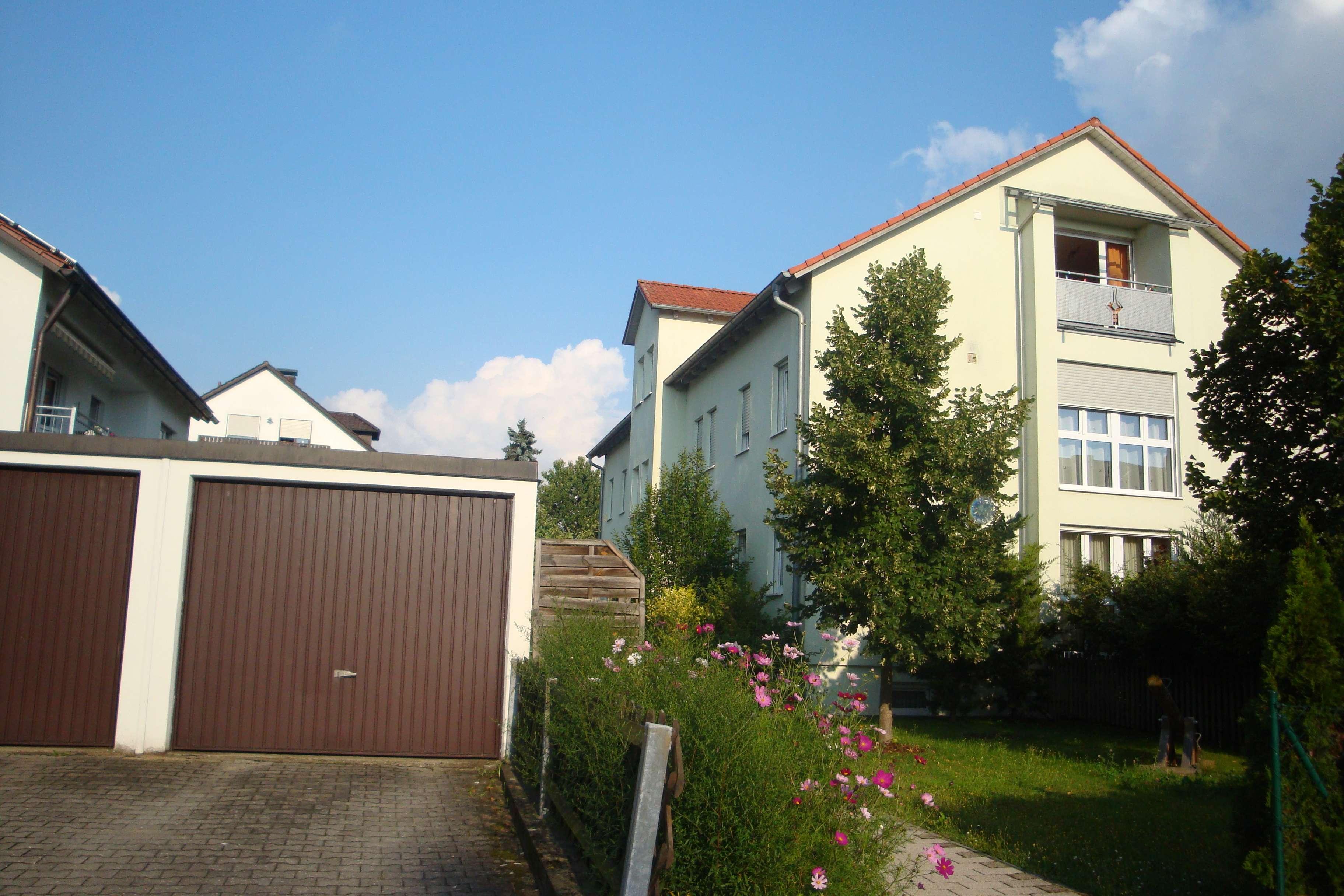 Schöne 3-Zimmer-DG-Wohnung mit Balkon in Regensburg in Reinhausen (Regensburg)