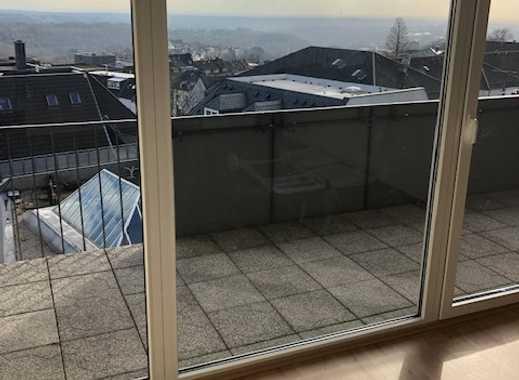Über den Dächern von Remscheid - ZENTRAL gelegene 3-Zimmer Wohnung