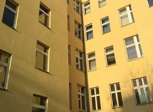 Exklusive, geräumige und modernisierte 1-Zimmer-Wohnung mit EBK in Wedding, Berlin
