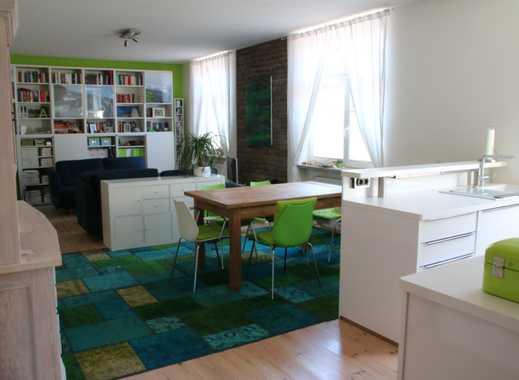 Helle, hochwertige 2-Zimmer-Wohnung mit Balkon und Einbauküche in Ehrenfeld, Köln