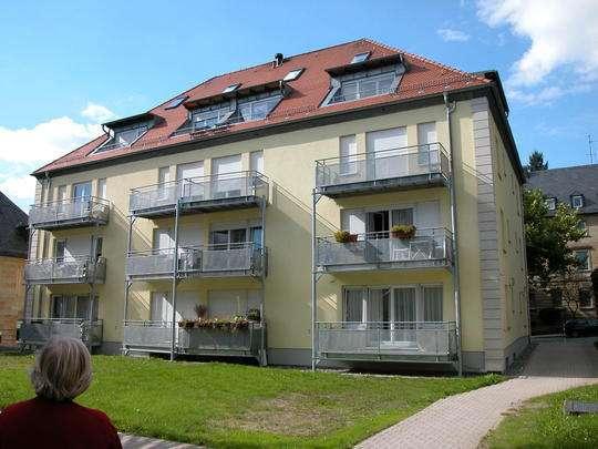 **Große 1-Zimmer-Wohnung mit Süd-Balkon** in