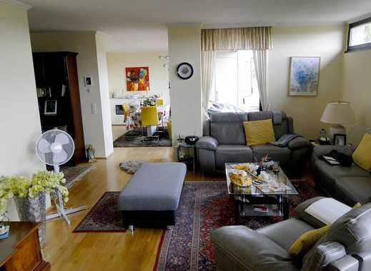 Luxuriöse 3,5-Zimmer Wohnung mit Einbauküche, großem Balkon und Tiefgaragenplatz in guter Lage