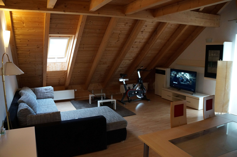 Vollmöblierte Dachgeschoßwohnung mit Galerie in Geltendorf in Geltendorf