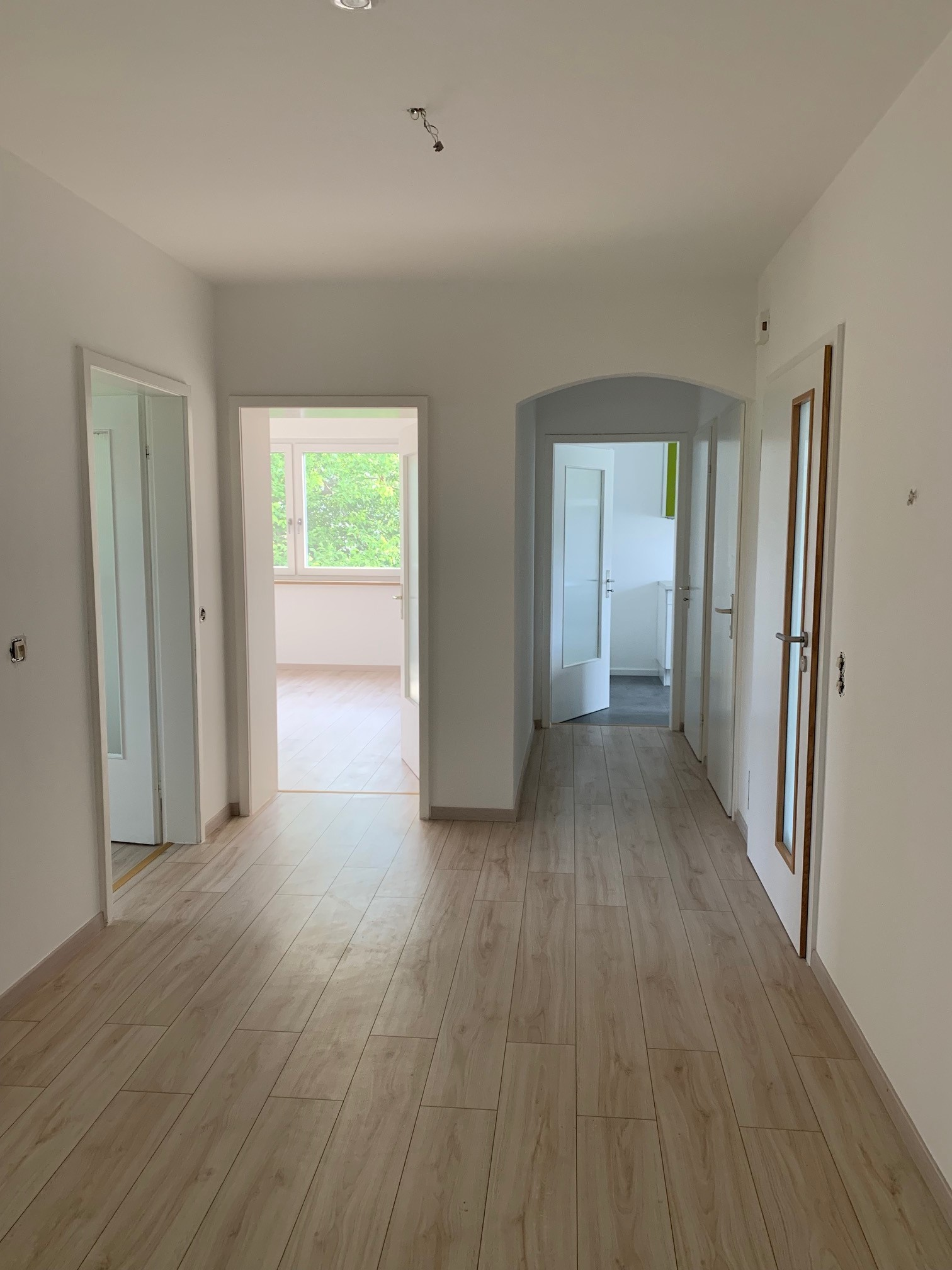 Helle, modernisierte 4-Zimmer-Wohnung mit Balkon und EBK in Schondorf am Ammersee