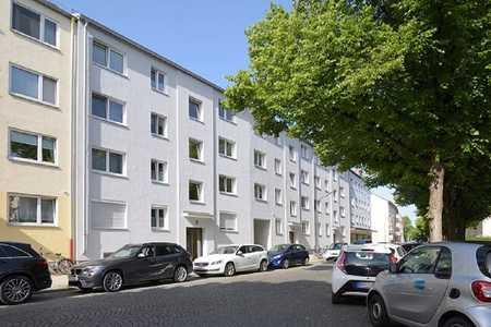 Modernisierte Stadtwohnung mit sonnigem Balkon in Milbertshofen (München)