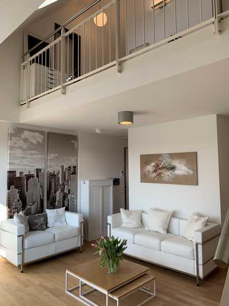 Möblierte, Klimatisierte  3,5-Zimmer-Maisonette-Wohnung mit Balkon in Maxvorstadt, München in Maxvorstadt (München)