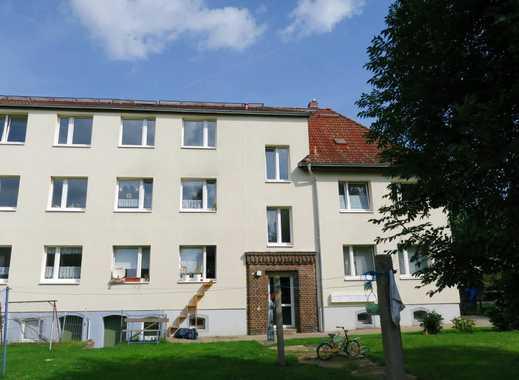 Schöne 3 Zi-Wohnung mit sep. Küche, Laminatboden, Duschbad in Halle-Seeben