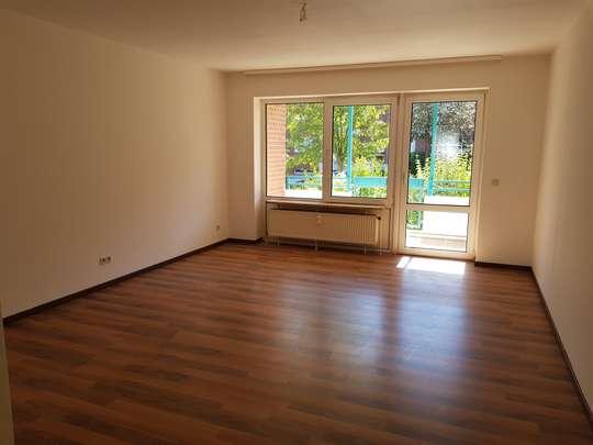 Großzügige 2-Zimmer Wohnung mit sonniger Dachterrasse in Wettbergen