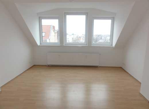 *NEU* 2er-WG-geeignete Wohnung mit Balkon und Einbauküche in Wedding/ nahe Osloer Straße (U8/U9)