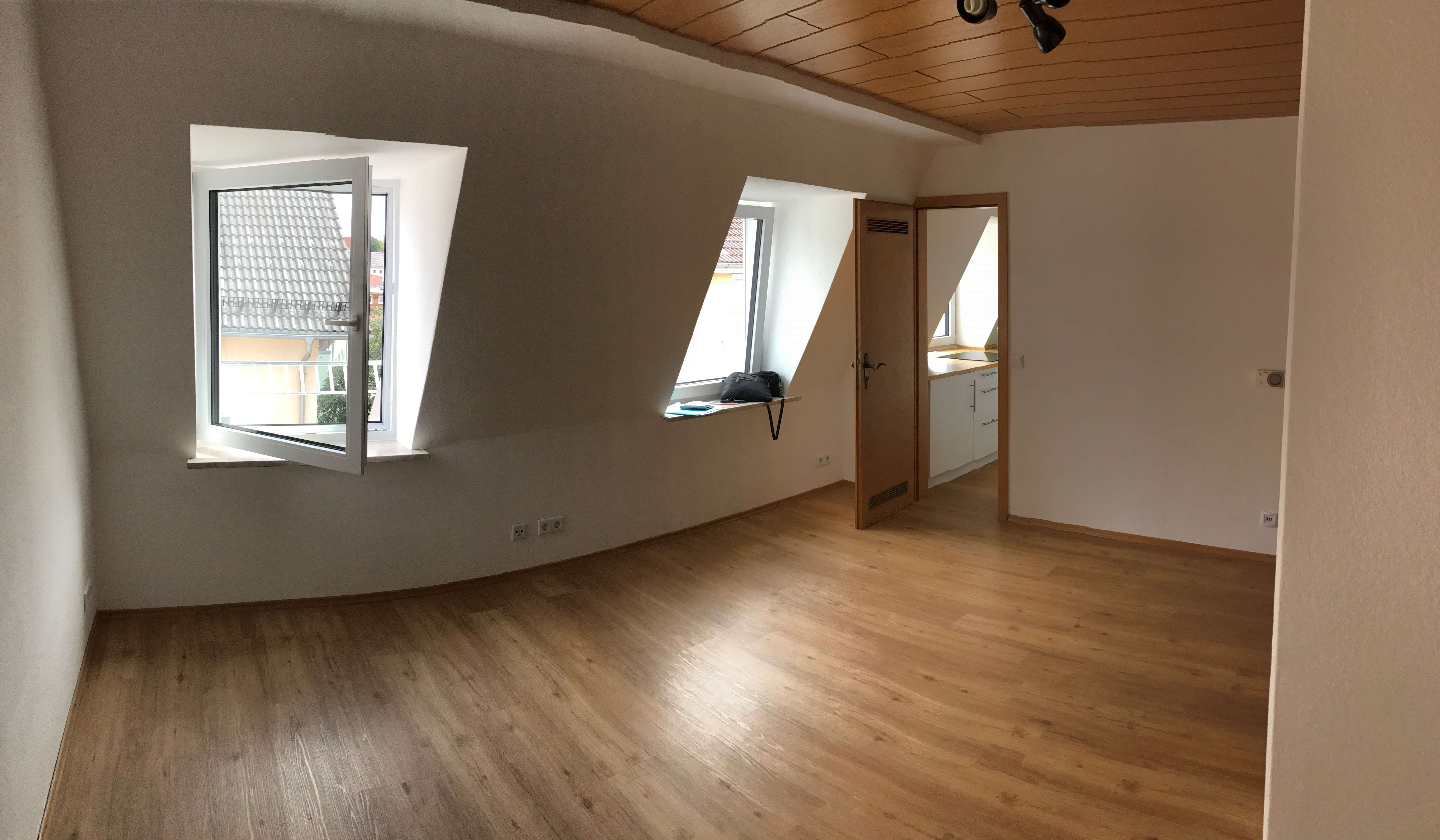 29 m², gemütliches Dachgeschoss,  350 €, zentral, ruhig in Kempten (Allgäu)-Innenstadt
