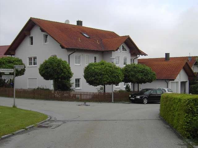 Gepflegte 3-Raum-Maisonette-Wohnung mit Balkon und Einbauküche in Haarbch in