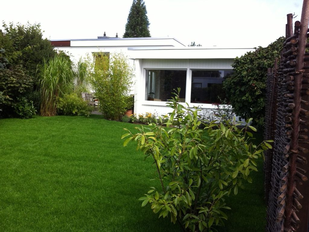 Garten Bauhausstil lichtdurchfluteter flachdachbungalow im bauhaus stil mit besonderem
