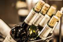 Weinbar mit erlesener Küche in