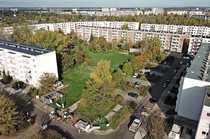Baugrundstück mit Parkfläche