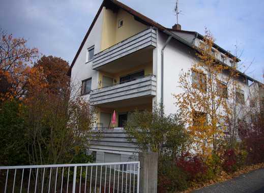 Mehrfamilienhaus mit 3 Garagen, Anfang Forchheim-Ost