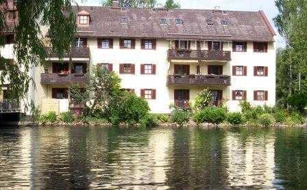 schöne 2-Zimmer-Dachgeschosswohnung in Erdings idyllischster Stadtparklage in Erding
