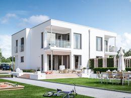 solution 242 v6 elegantes mehrgenerationenhaus mit bereck erker mit balkon. Black Bedroom Furniture Sets. Home Design Ideas