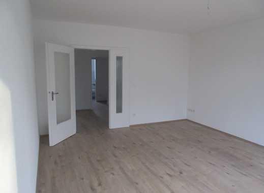 ERSTBEZUG nach umfangreicher Modernisierung  3-Zi-Wohnung mit Balkon in Meerbusch-Osterath