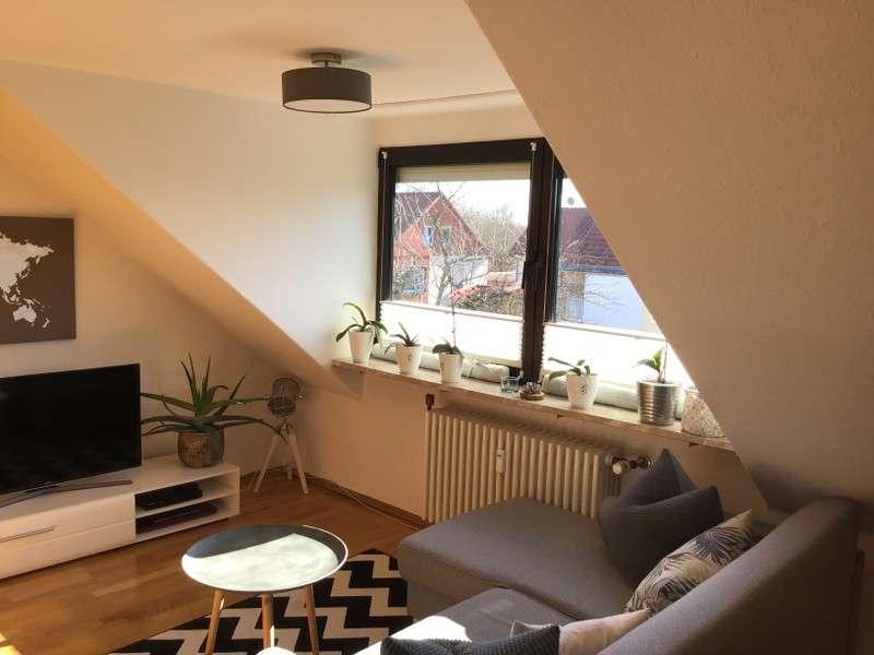 Ideal aufgeteiltes, saniertes 2-Zimmer-Dachgeschoss-Appartement mit Einbauküche in Freising in Freising
