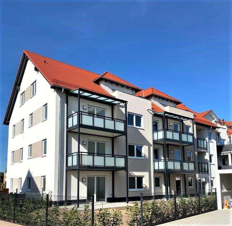 Vermietung ab sofort: Wunderschöne 3-Zimmer-DG-Neubauwohng mit Dachterrasse in