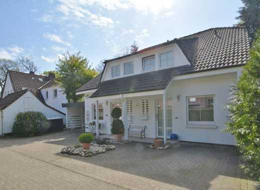 Kompakte Doppelhaushälfte mit kleinem Garten auf einem Hintergrundstück in Oldenburg-Ohmstede