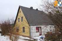 Stark Sanierungsbedürftiges Wohnhaus mit Nebengebäude