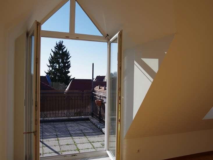 2,5 Zimmer-Maisonette-Wohnung mit traumhafter Dachterrasse in zentraler Lage