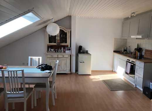 Gepflegte, lichtdurchflutete 1-Zimmer-Dachgeschosswohnung mit Balkon in Weinheim