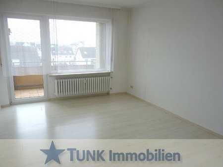 Neu renoviert! Zentrale 2 Zi. Wohnung mit EBK, Süd-Balkon und Stellplatz in Alzenau! in Alzenau