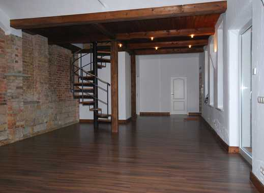* Besonderes Einfamilienhaus im Hinterhaus mit Terrasse und Innenhof *