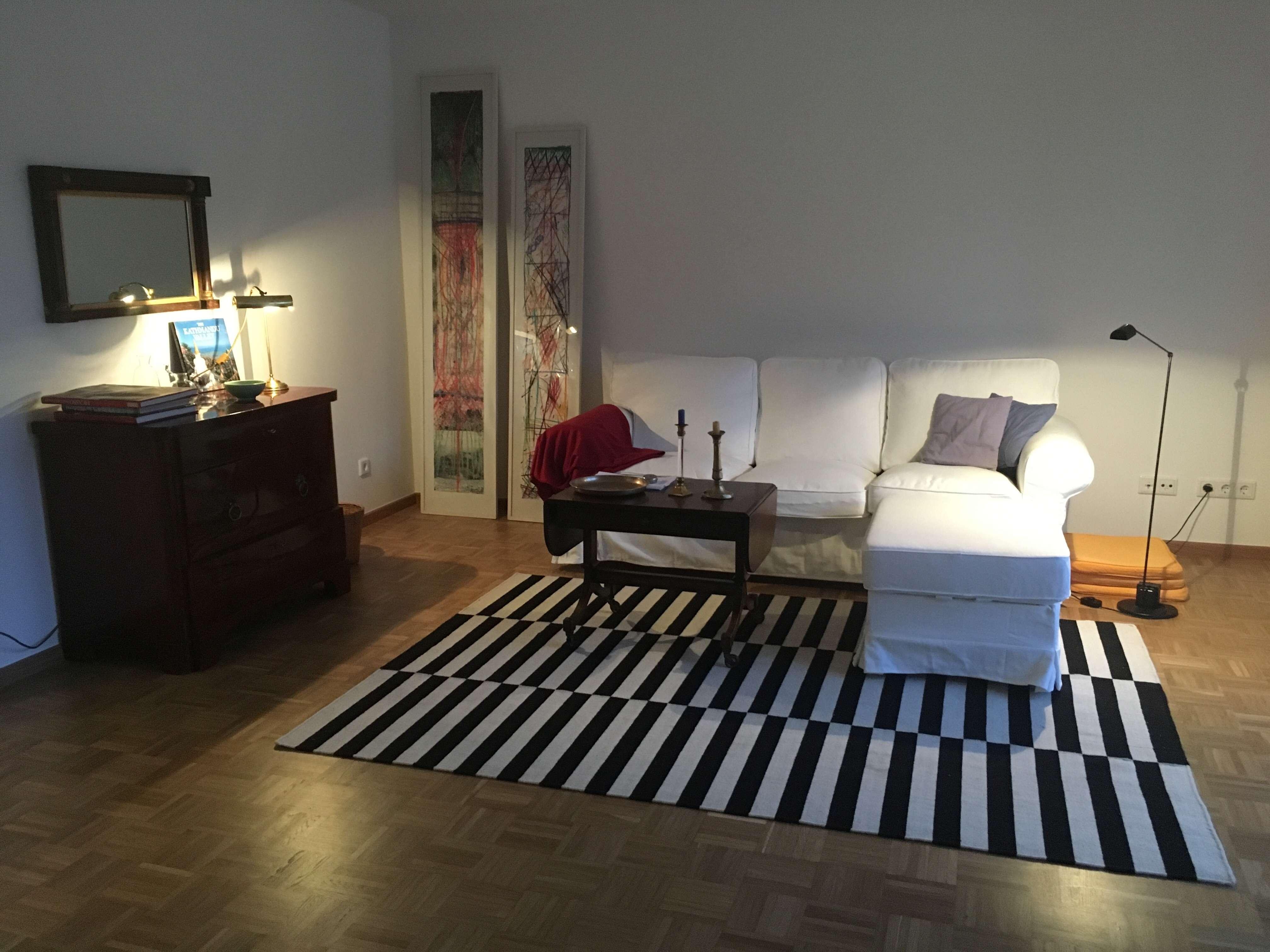 Möbliert: Wunderschöne, renovierte 3-Zi.-Wohnung in Schwabing in Schwabing (München)