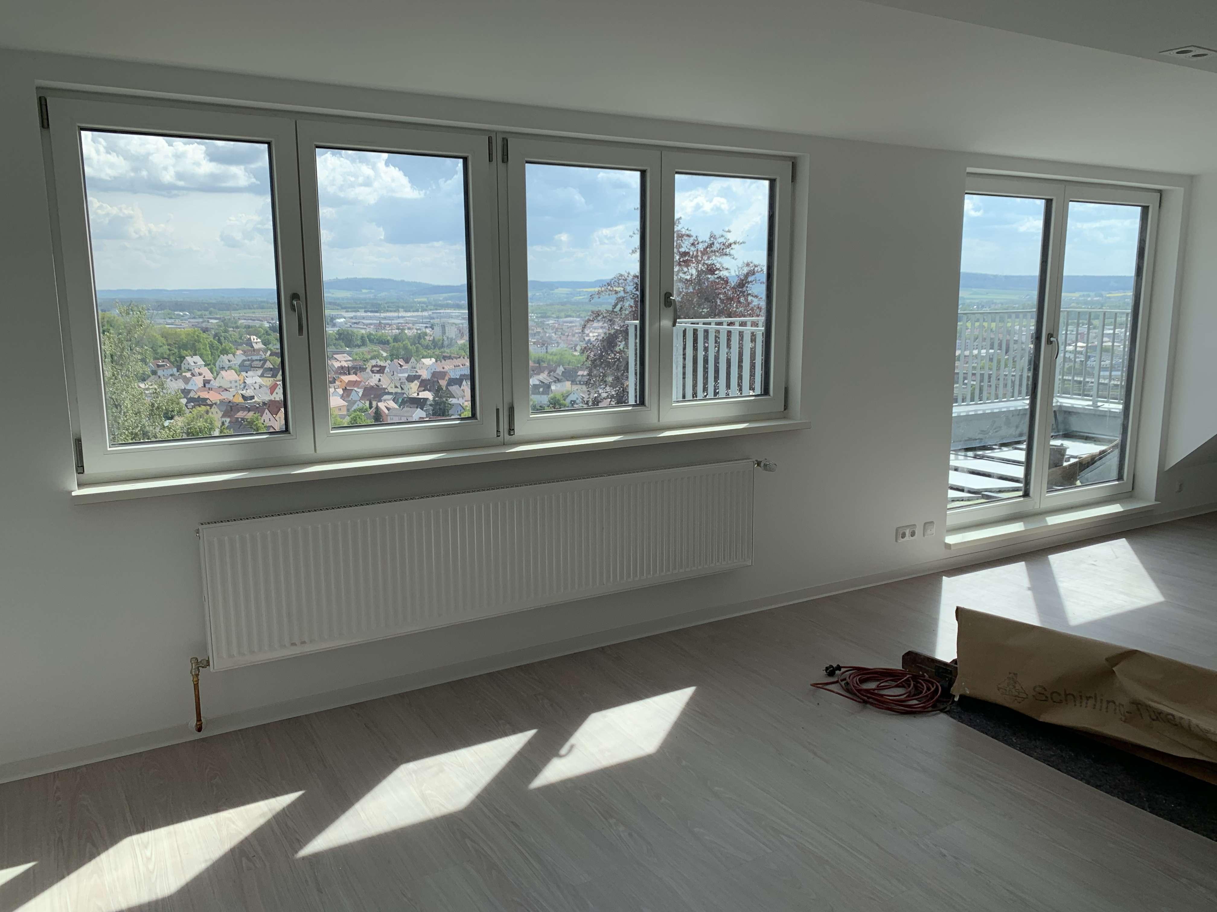 Traumhafte Dachgeschosswohnung mit Blick über Schwandorf